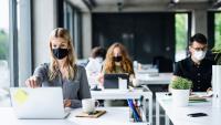 Маски горе: Най-популярните модели за пандемията
