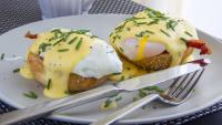 Как да приготвим яйца бенедикт?