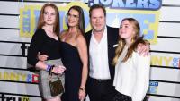 Бански 2021: Брук Шийлдс и двете й дъщери с еднакви модели