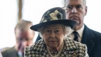 Служител на Бъкингамския дворец обирал Елизабет II цяла година