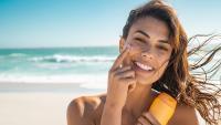 Слънцезащитен крем – колко често трябва да го използваме?
