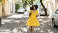 Жълта рокля – задължителна в летния ни гардероб