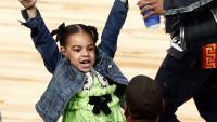 По  стъпките на мама: Блу Айви повтори танц на Бионсе