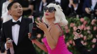 Лейди Гага с рокли на български дизайнер