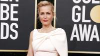 Златен глобус 2021: Джилиън Андерсън със златна рокля на Dior