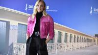 Кожено яке или блейзър: Изборът на Софи Търнър