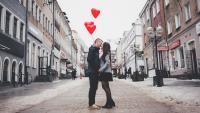 Как ще се развие връзката ви според зодията на запознанството ви?