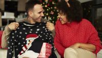 Коледни подаръци: Какъв модел пуловер да изберете?