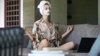 Лицева йога – перфектна за изолацията вкъщи