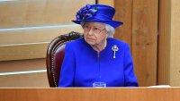 Лекарите забраниха на Елизабет II да разхожда любимите си кучета