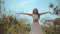 Мода 2021: Дрехите и аксесоарите, които да извадите от гардероба