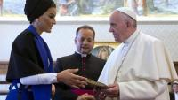 Шейха Моза – модна икона, филантроп, най-влиятелната жена в Арабия