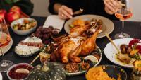 Празнични рецепти: Камала Харис ни сготви пуйка