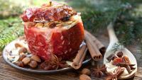 Печени ябълки с орехи и канела – как да ги приготвите?