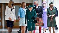 Кралица Елизабет и Камила – стилното дуо в шотландския парламент