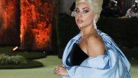 Есенна мода: Лейди Гага, какъв е този шал?