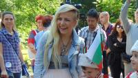 Поли Генова обяви, че очаква второ дете