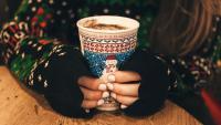 Зимен маникюр: 5 идеи, с които да подобрите настроението си в студа