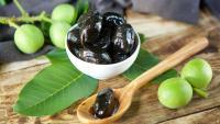 Как да приготвим сладко от зелени орехчета