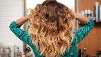 Прически есен 2021: Три цвята в косата, които ще са на мода