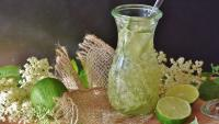 Как да приготвим лимонада от бъз