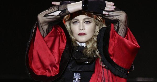 Мадона доказа, че е истинско материално момиче, като извади 19,3