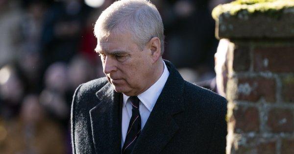Скандалът около принц Андрю, който беше обвинен в сексуален тормоз,