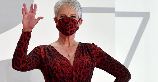 """""""Джейми Лий Къртис, страхотна ретро рокля. Но какъв е този"""