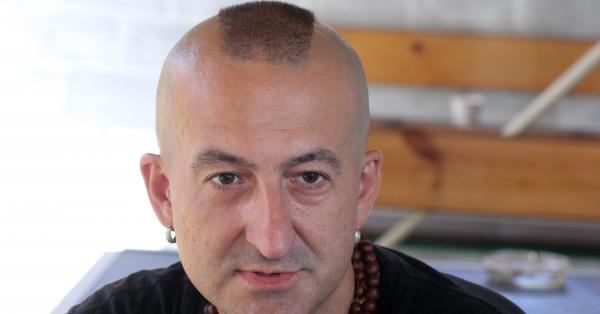 Емблематичният български певец и музикален продуцент Добрин Векилов, по-известен с