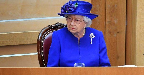 Елизабет II е известна с любовта си към кучетата. 95-годишната