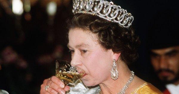 Кралица Елизабет II е позната на приятелите и роднините си